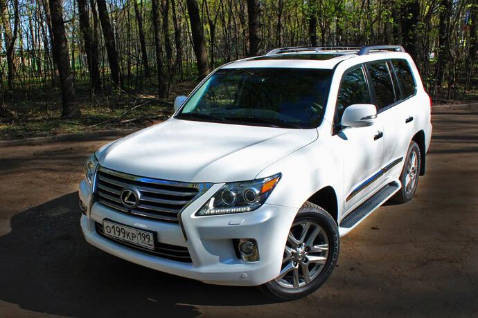 台中石先生-LEXUS汽車免留車借款案例
